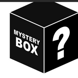 Men's mystery or reseller box 15  items